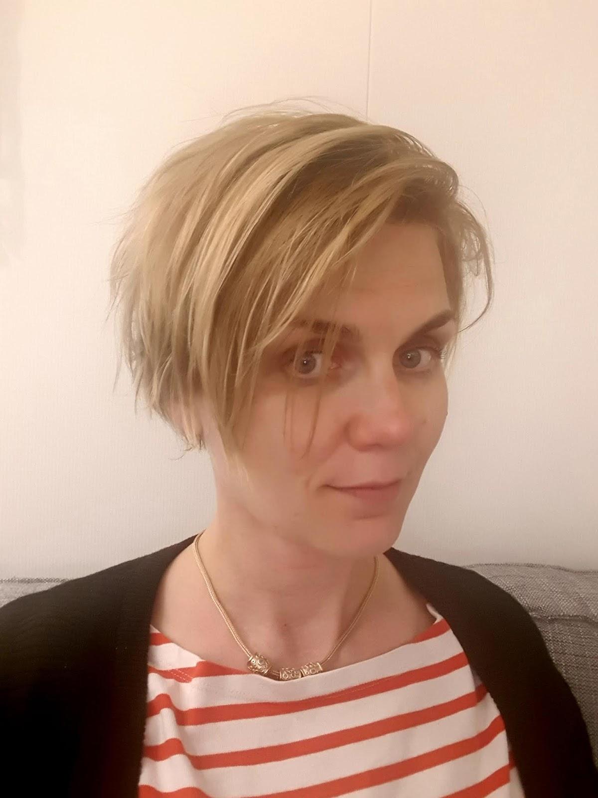 Hiusmallit Puolipitkät Hiukset