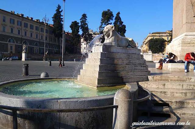 Fonte com os leoes, Praça del Popolo