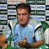 """Cuca: """"Não sou de largar porque perdeu. Vamos classificar para a Libertadores"""""""