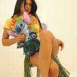 Andrea Rincon, Selena Spice Galeria 13: Hawaiana Camiseta Amarilla Foto 40