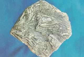 actinolita  actinolite fragmento