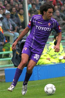 Toni in the colours of Fiorentina, for whom he scored 31 goals in the 2005-06 season
