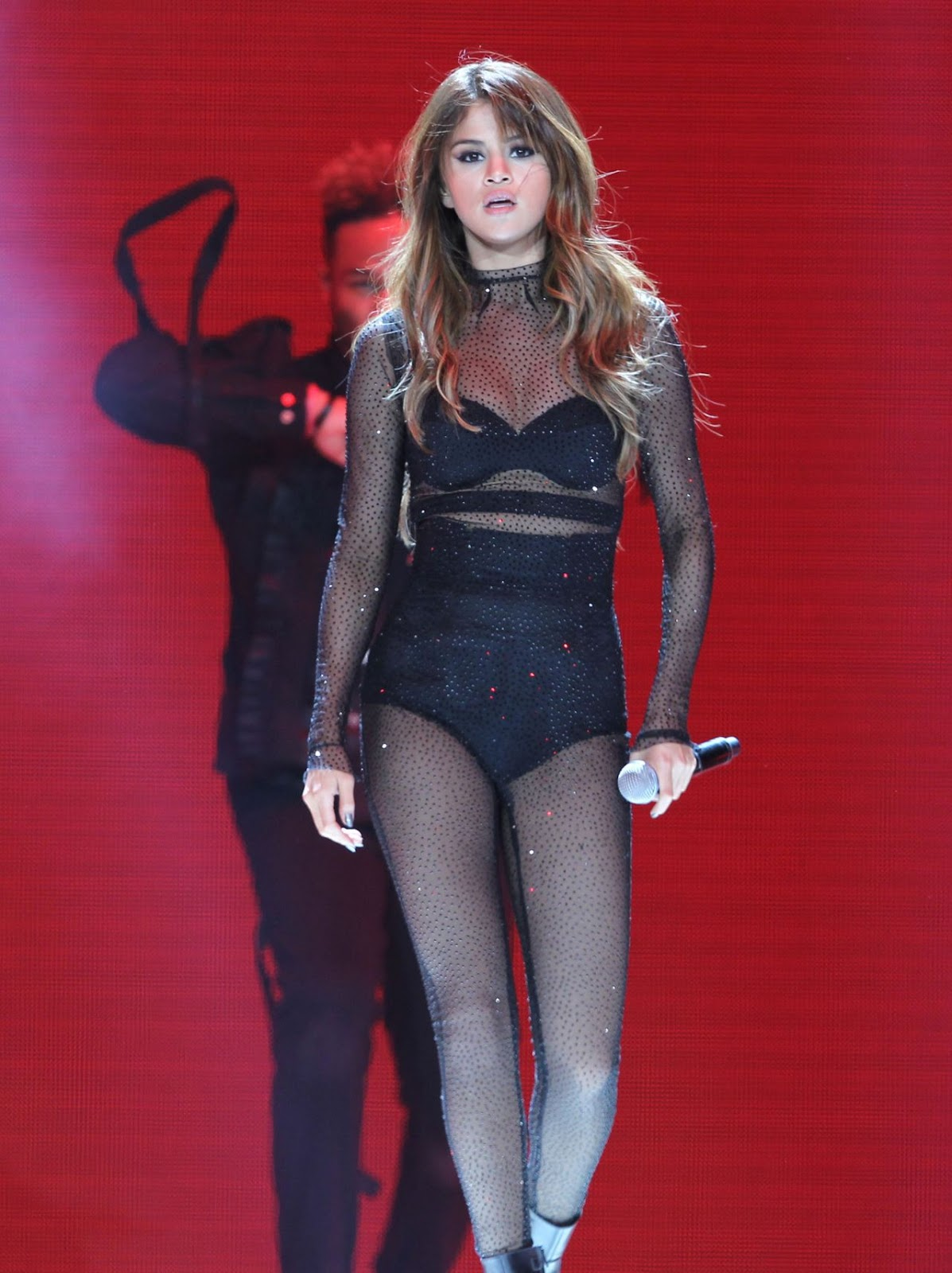 Selena Gomez Gets Sexy For Revival Tour Concert In LA