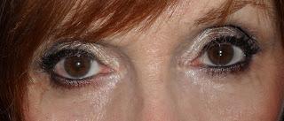 Imagen Ojos abiertos para look neutro para cualquiera
