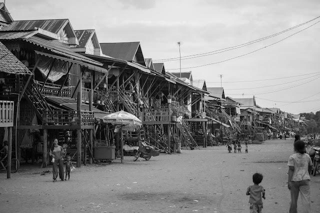 Kampong Phluk. Photographie par Alex Berger (CC)
