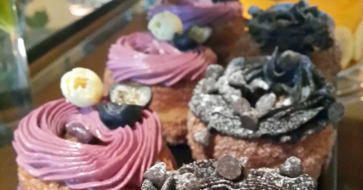 Cake Shop Located On Culebra Road