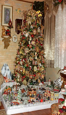 Victorian Christmas tree and decorations