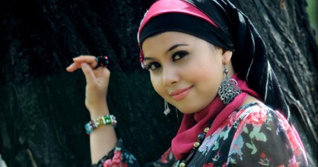Vanny Vabiola: Diam Diam Jatuah Hati (Lirik + Chord)