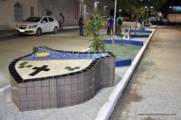Praça que homenageia o Jornalista Emanoel Glicério foi inaugurada em Santa Cruz
