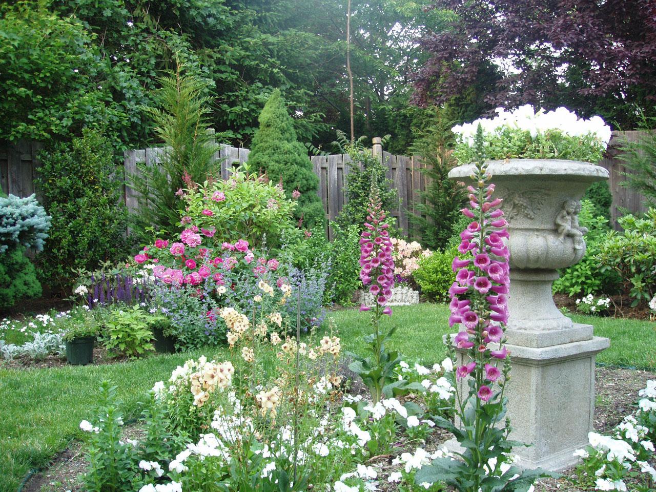 English garden wallpaper, wallpaper - Best 2 Travel Wallpaper on Backyard Landscape  id=84262