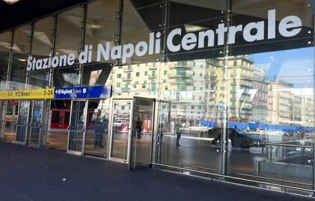 Estação de trem Napoli Centrale