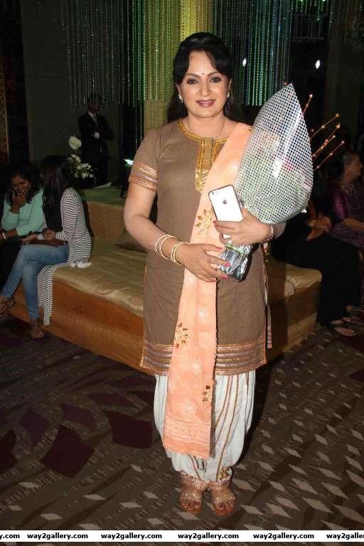 Upasna Singh dropped in to wish Rashmi Sharma