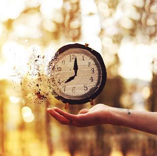 Fotomontaje y reloj