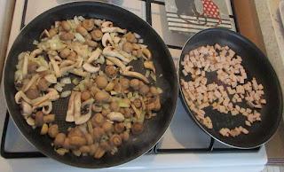 Запеканка из картофеля с ветчиной и шампиньонами