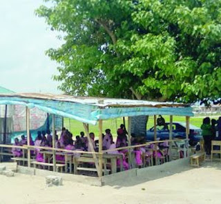 Exposed: Inside The Abuja School Where Kids Study Under Trees (Photo)