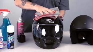 Bisnis kuliah jasa cuci helm