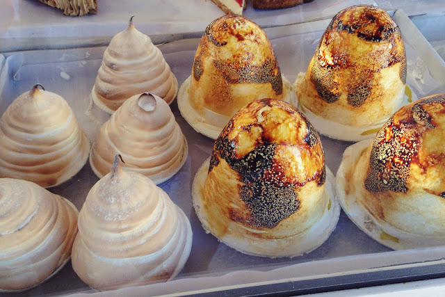 Meringues and cakes - Playa Flamenca market Orihuela