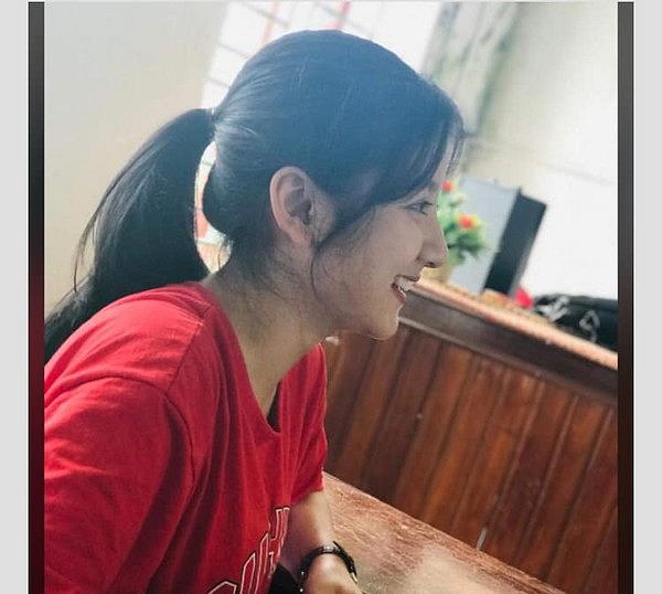 Đã tìm ra danh tính nữ sinh Việt giống hệt Địch Lệ Nhiệt Ba, quả không phải dạng vừa!