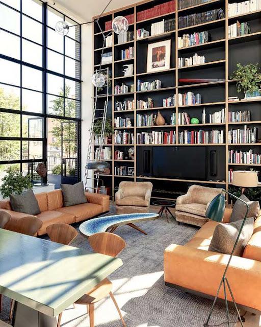 bibliothèque murale sur mesure haut sous plafond