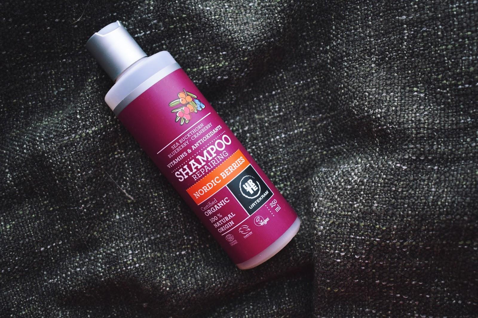 urtekram repairing shampoo rakennepaikkaava vegaani eläinkokeeton pesuaine nordic berries orgaaninen