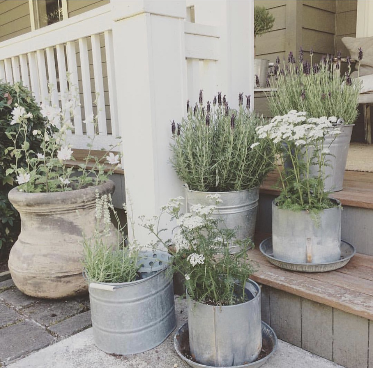 Little Farmstead: Farmhouse Porch Ideas