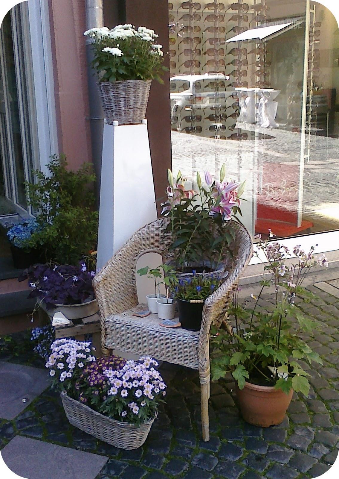zu hause dekoration setenta balcones y todos con flor. Black Bedroom Furniture Sets. Home Design Ideas