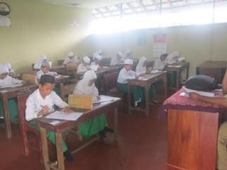 Ulangan Akhir Semester 1 Tahun Pelajaran 2016/2017
