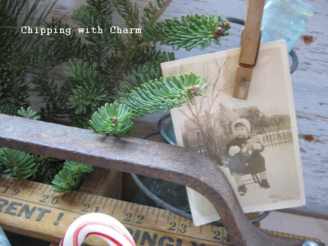 Chipping with Charm: Christmas Tote with a Silo Step Handle...http://www.chippingwithcharm.blogspot.com/