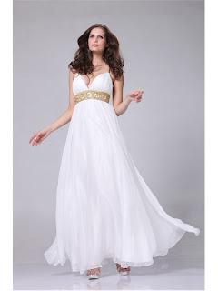 969a78fdb369 Klänningen nedan har mycket bling, med det är så otroligt snyggt på denna  klänning, passar perfekt till stilen!