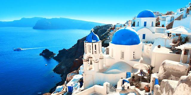 Hoy visitamos la isla de Santorini en Grecia
