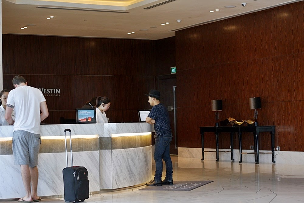 WESTIN HOTEL SINGAPORE DELUXSHIONIST LUXURY TRAVEL REVIEW