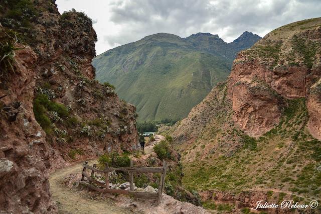 Randonnée dans les salines de Maras, Pérou