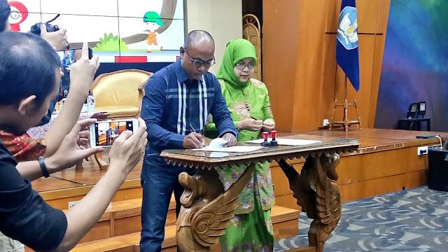Penandatanganan MOU oleh YAICI dan PP Muslimat NU terkait SKM di Jakarta