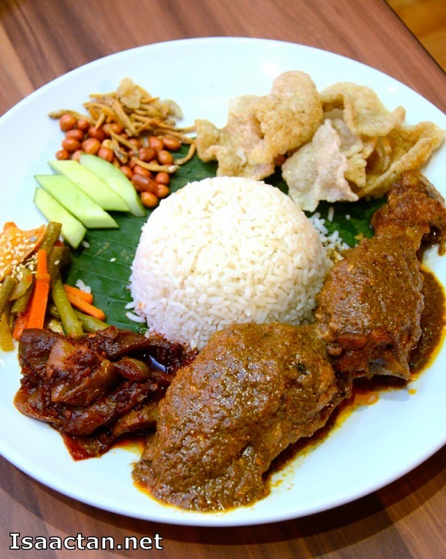 Heritage Village @ Jaya Shopping Centre - Heritage VIllage Nasi Lemak King Combo (RM18.90)