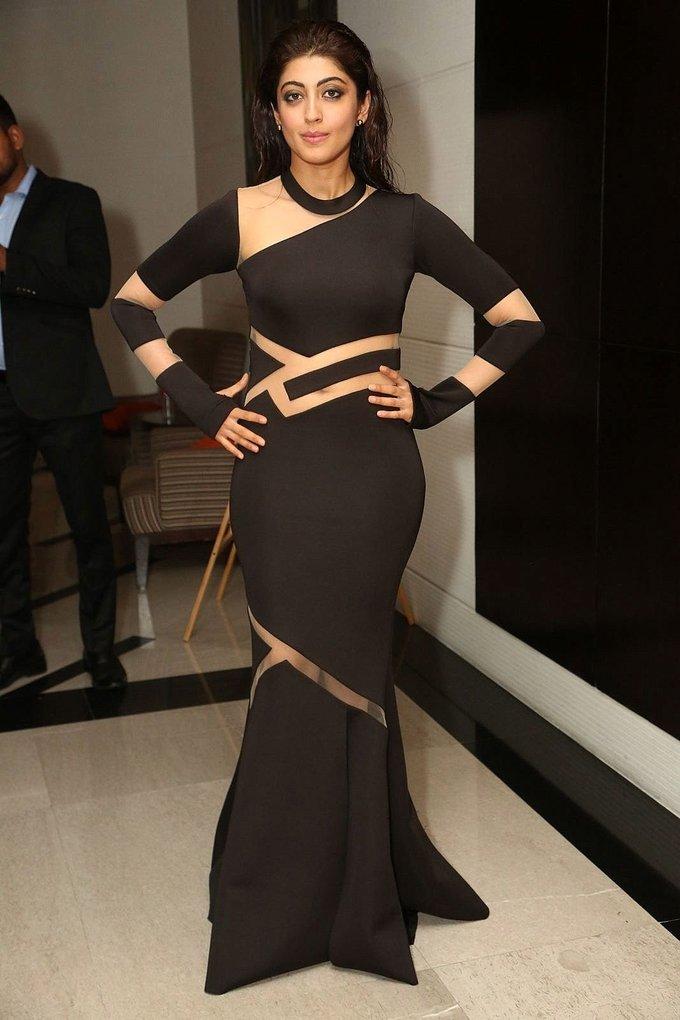 Pranitha Subhash In Black Dress At Jio Filmfare South Awards 2017