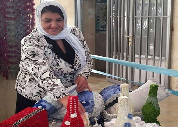 السيدة نها أبو زهرة من السويداء تبدع في مشروع إنتاجي بلمسات فنية