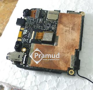 rangkaian pcb, circuit board, ic komponen jeroan , ram, memori, prosesor asus zenfone 5 - pramud blog