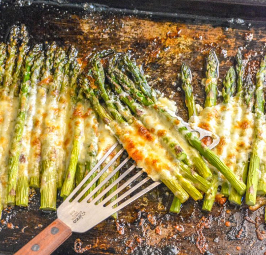 GARLIC ROASTED CHEESY SHEET PAN ASPARAGUS #healthy #recipe