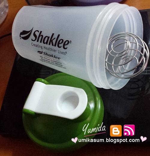 Botol shaker jenama Shaklee
