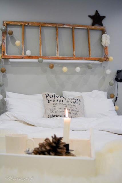 makuuhuoneen syksy sisustus tunnelma petivaatteet valkoiset lakanat skandinaavinen