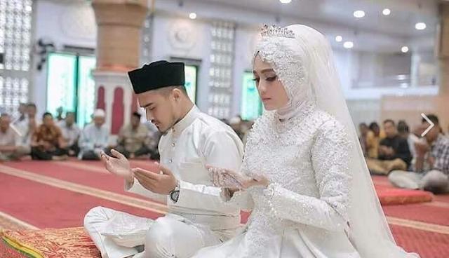Menikah beda usia