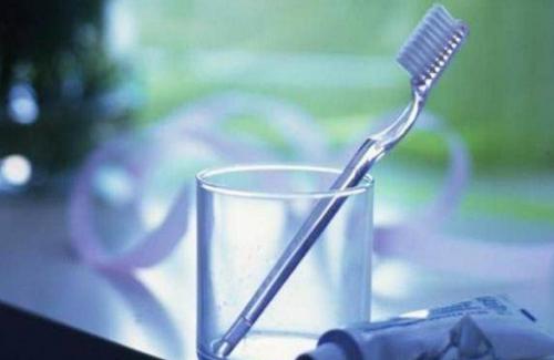 bahaya berkumur setelah gosok gigi