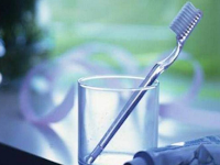 Benarkah Berkumur Setelah Gosok Gigi Berbahaya? Inilah Penjelasannya