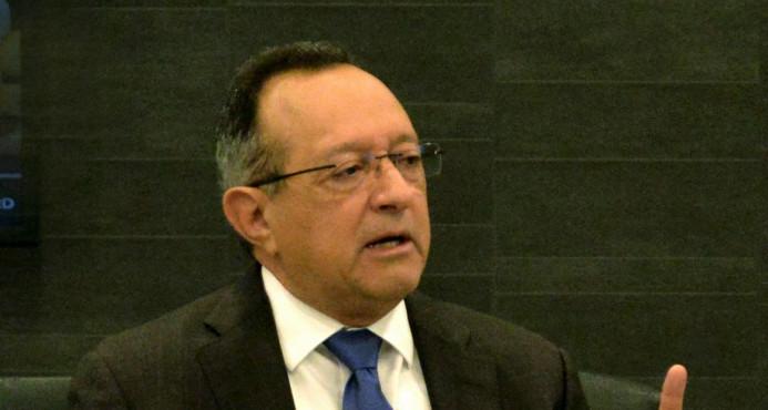 Ángel Estévez dice no habrá escasez de productos agropecuarios tras huracanes