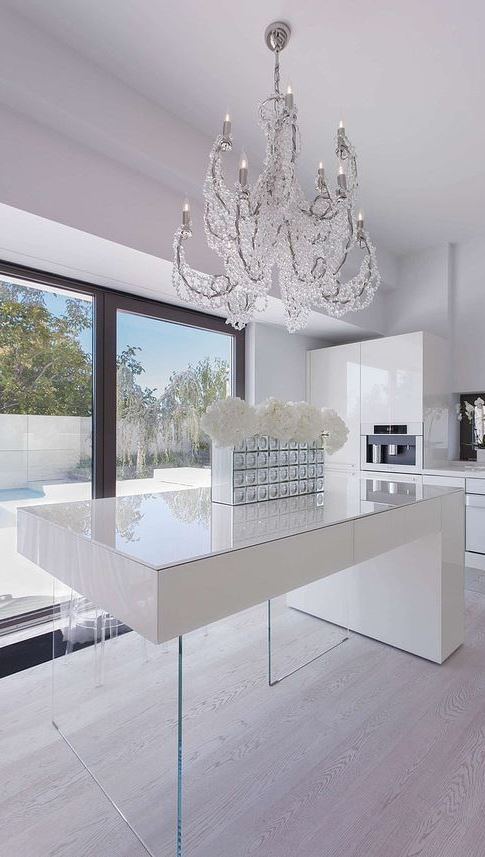 white modern kitchen design idea