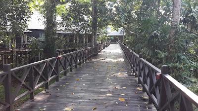 Jembatan yang saling menghubungkan resort