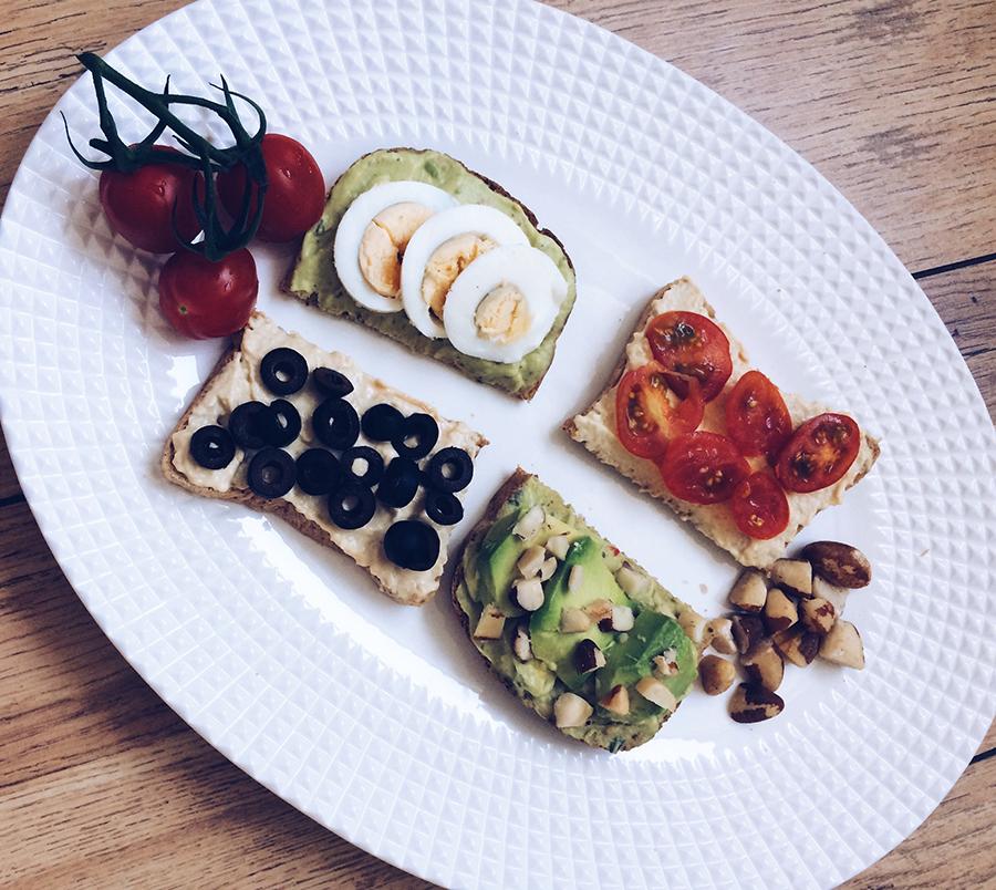 HUMMUS & GUACAMOLE SANDWICHES