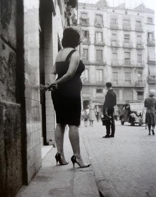 tres prostitutas en la calle prostitutas guerra civil