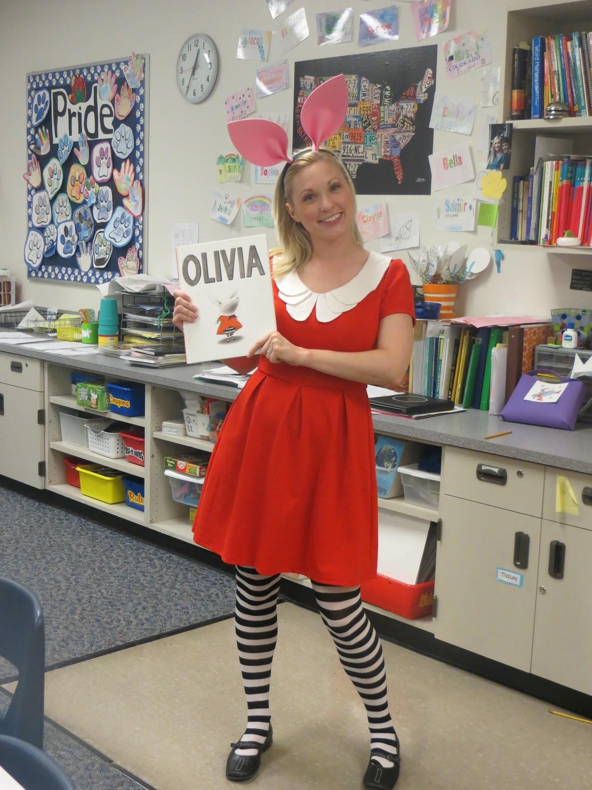 27 Halloween Costumes For Elementary School Teachers