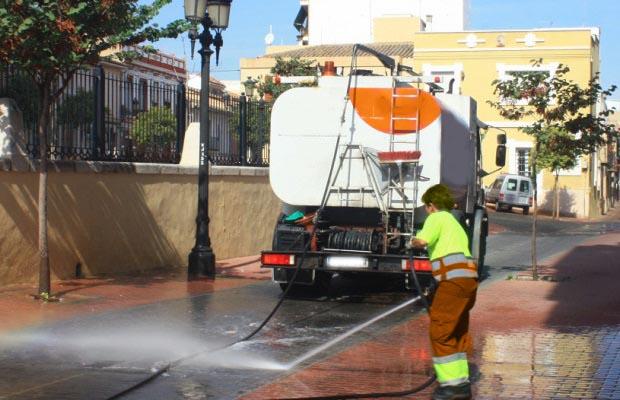 Desatascos Sevilla: Baldeo de calles en La Puebla de Cazalla